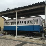 【鳥取】米子市元町商店街に国内で現存する最古の「四輪木製三等客車」を展示。